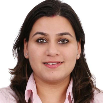 Chandni Mathur Headshot