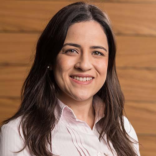 Carlina Goncalves Headshot